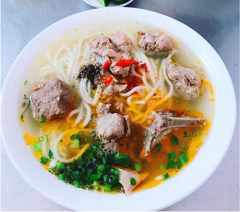 Cháo canh chợ Đồng Phú với nhiều topping chất lượng