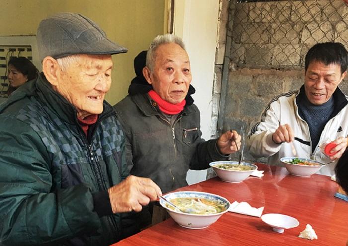 Cháo canh Mệ Luốc là ký ức tuổi thơ của nhiều thế hệ người dân Quảng Bình