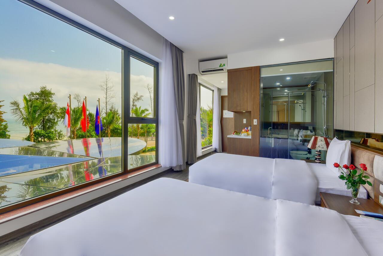 Khách sạn Manli Resort được thiết kế độc đáo với phong cách Villa