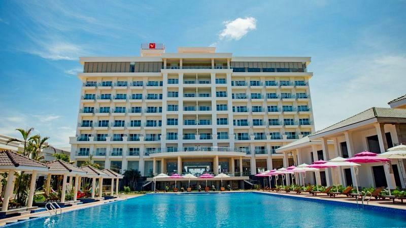 Toàn cảnh Khách sạn Biển Vàng