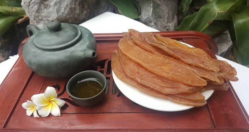 Thưởng thức khoai deo cùng trà để cảm nhận trọn vẹn hương vị