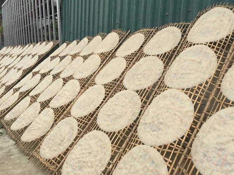 Quá trình làm bánh công phu