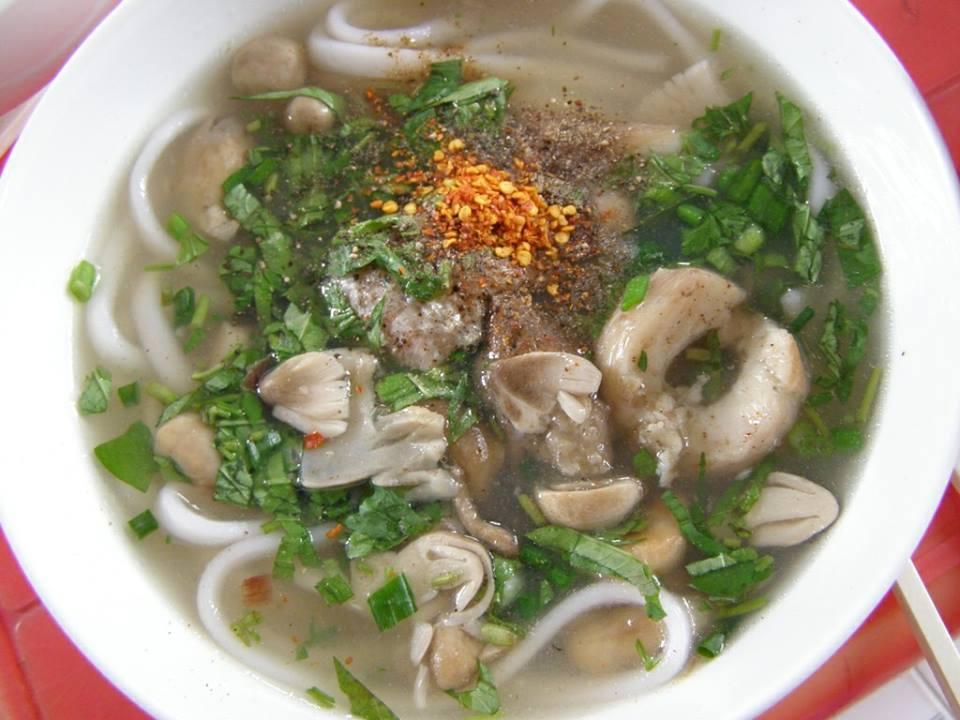 Canh nấm tràm - một món ngon Quảng Bình ấn tượng.