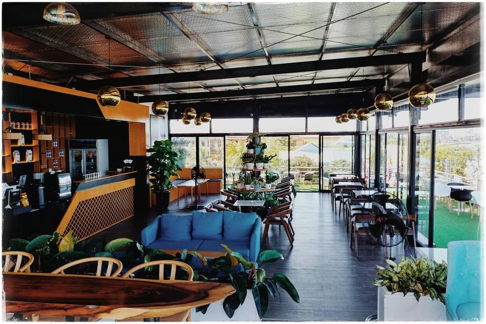 Không gian sang trọng và tinh tế tại Paven Coffee