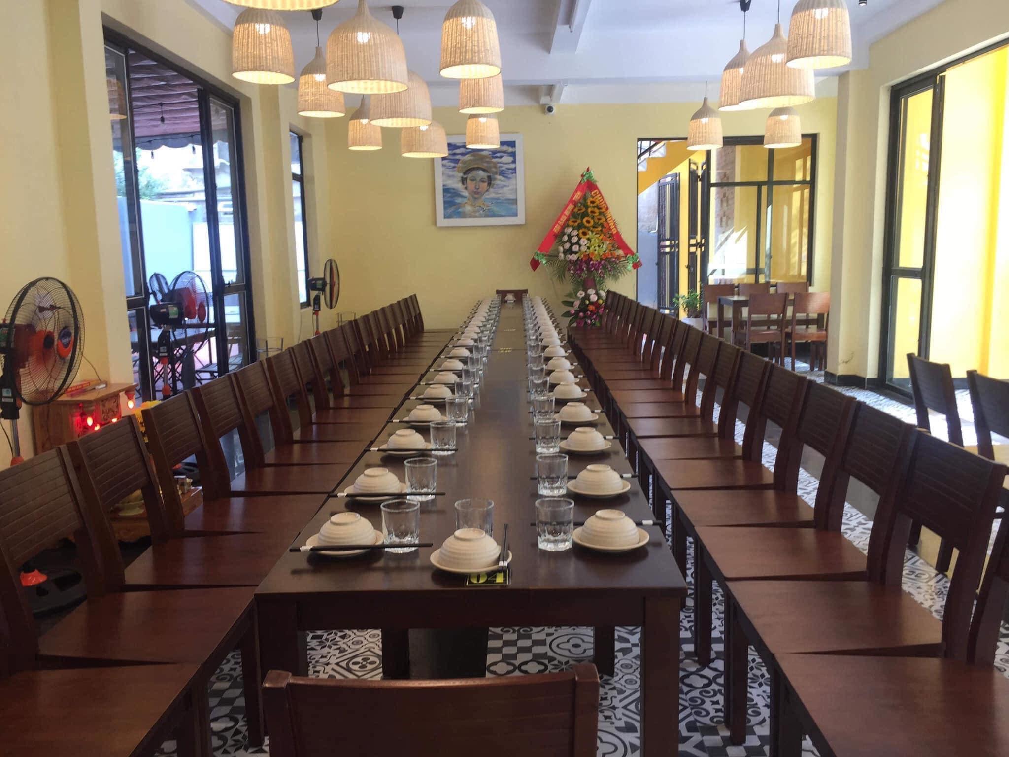 Bàn tiệc của nhà hàng Chanh