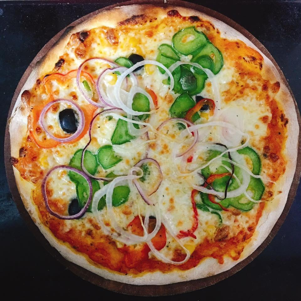 Pizza thơm ngon ở Oregano