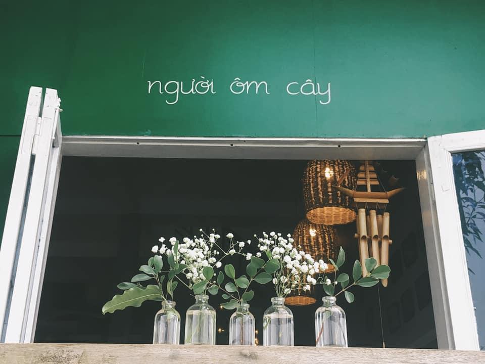 Không gian xanh của quán Tree Hugger Coffee