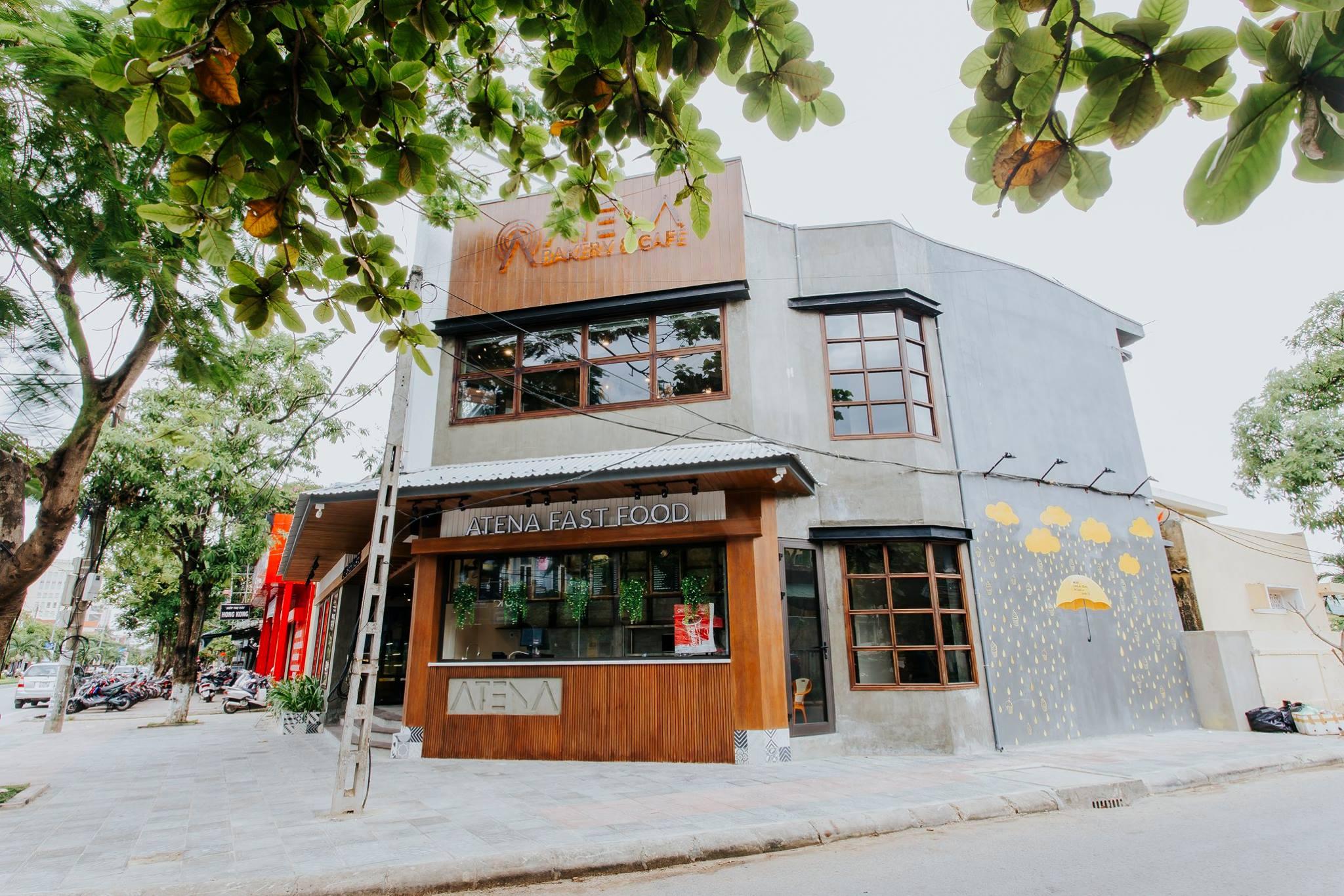 Tiệm bánh Âu giữa lòng thành phố