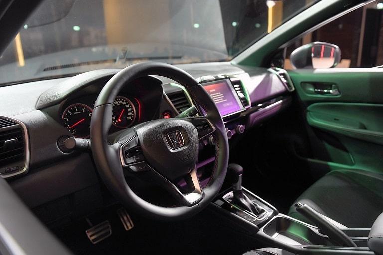 Nội thất và tiện nghi đầy đủ của Honda City