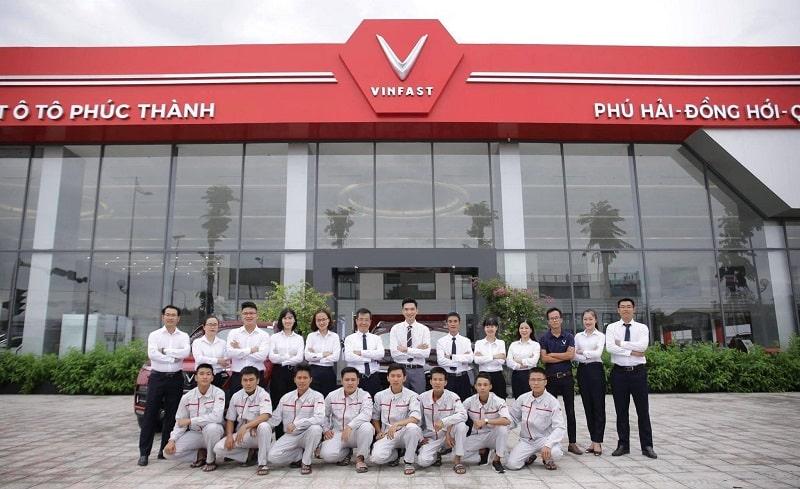 Đội ngũ nhân viên VinFast Quảng Bình