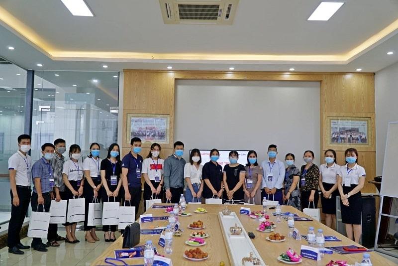 Đội ngũ nhân viên của Hyundai Quảng Bình