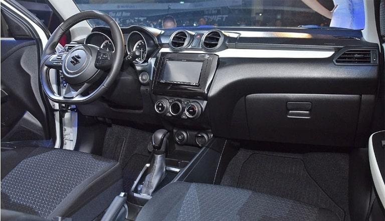 Nội thất bên trong của Suzuki Swift