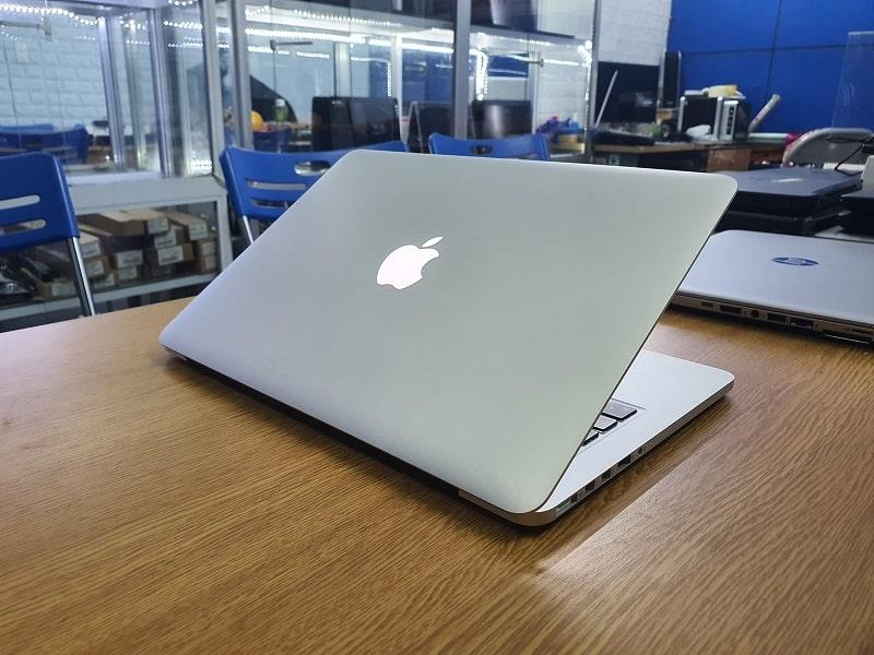 Máy Macbook được bán tại Vĩnh Hà