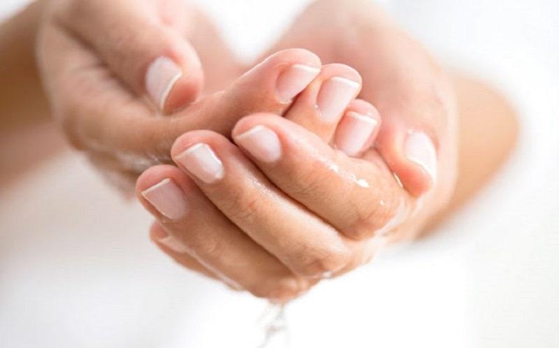 Chữa trị bệnh đổ mồ hôi nhiều ở tay