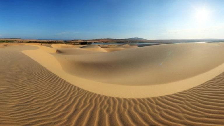 Cồn Cát Quang Phú trải dài tận chân trời